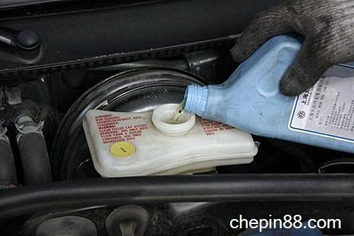 贵州抽查汽车制动液两成样品不合格高清图片