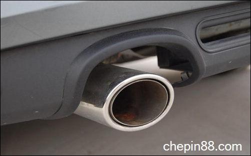 车主须重视汽车发动机与排气管的日常养护高清图片