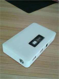 双USB超大容量汽车启动电源