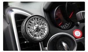 精品汽车内饰厂家批发 空调出风口香水香水夹 轮胎造型旋转车香风